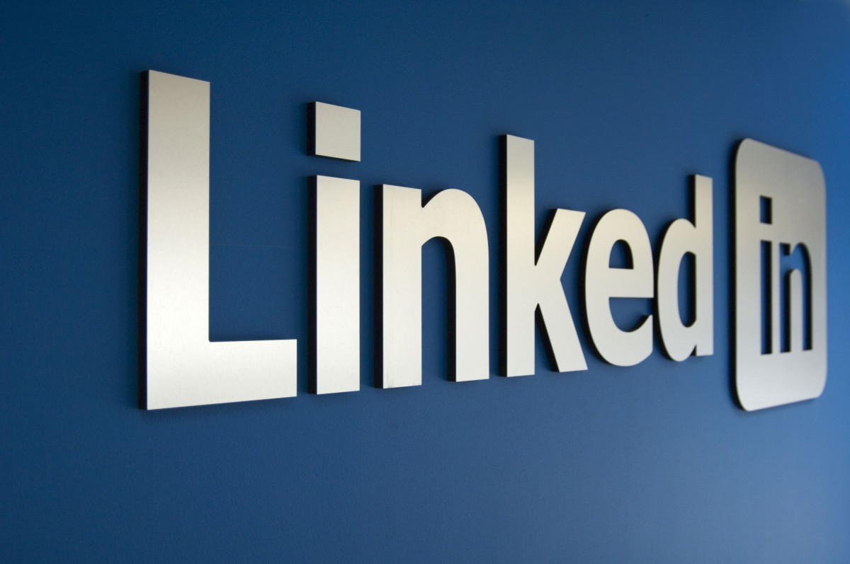 10 maneras eficaces de optimizar tu perfil de LinkedIn